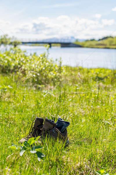 обувь трава тесные мнение весны природы Сток-фото © 1Tomm