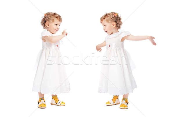 Foto stock: Dois · meninas · isolado · branco · dançar