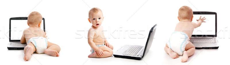 Zuigeling met behulp van laptop witte computer baby laptop Stockfoto © 26kot