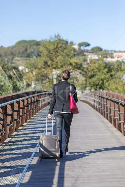 Işkadını çanta yürüyüş kentsel çevre Stok fotoğraf © 2Design