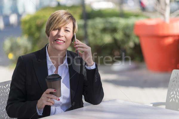 Retrato mulher de negócios sessão ao ar livre café Foto stock © 2Design