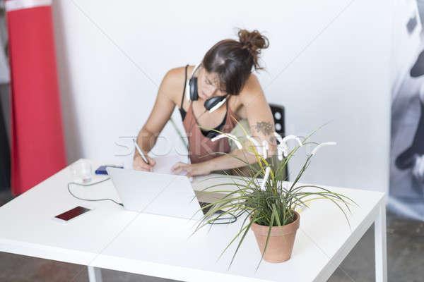 Foto stock: Empresária · trabalhando · laptop · trabalhar · internet · mulheres