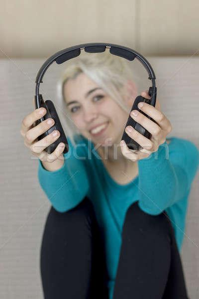 Gülen sarışın kadın siyah kulaklık genç kadın Stok fotoğraf © 2Design