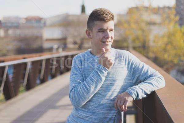 Portret knap buitenshuis man teen Stockfoto © 2Design