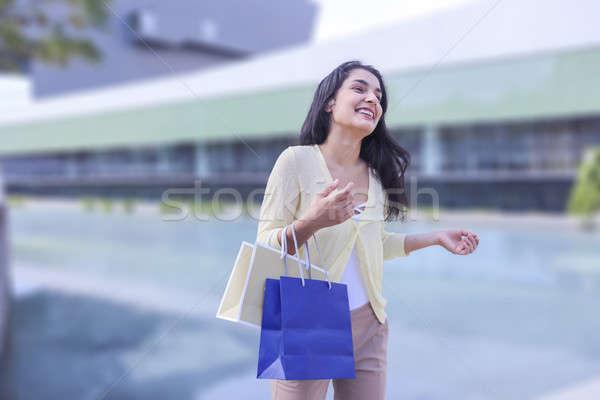 Güzellik alışveriş kadın ayakta sokak Stok fotoğraf © 2Design