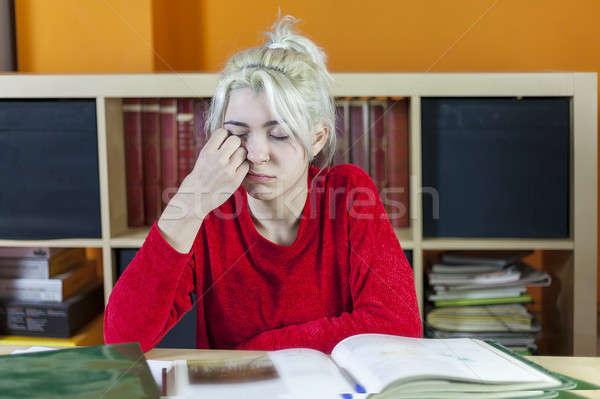 Hermosa aburrido cansado estudiante casa Foto stock © 2Design