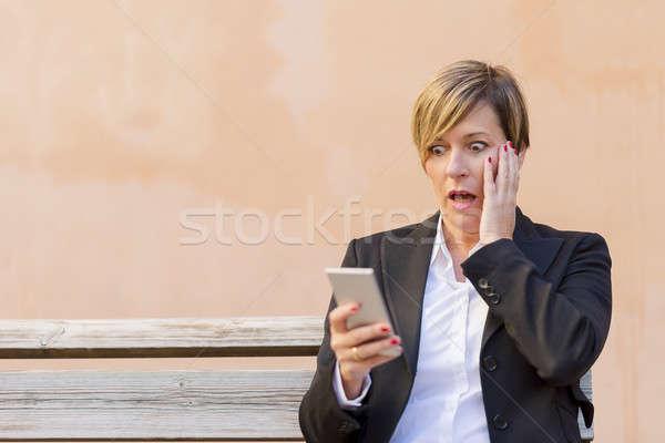şaşırmış iş kadını çağrı telefon açık kız Stok fotoğraf © 2Design