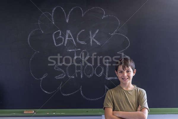 Stock fotó: Fiatal · tini · iskolatábla · vissza · az · iskolába · írott · iskola