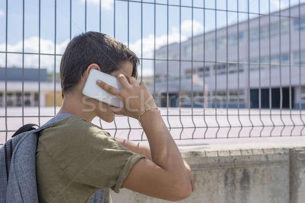 öğrenci dışında okul oynama cep telefonu Stok fotoğraf © 2Design