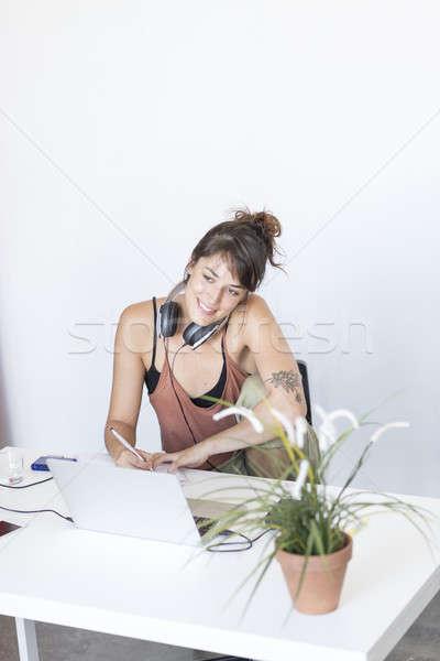Işkadını çalışma dizüstü bilgisayar çalışmak iş bilgisayar Stok fotoğraf © 2Design