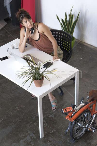 Zakenvrouw werken laptop werk business computer Stockfoto © 2Design