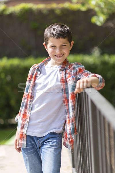 Portret toevallig teen jongen buitenshuis voorjaar Stockfoto © 2Design