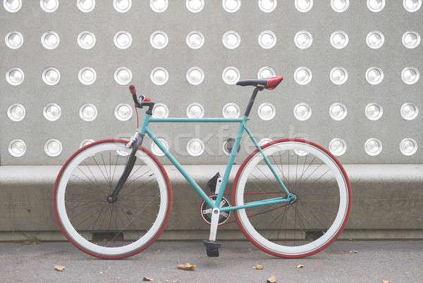 Város bicikli fix viselet zöld fehér Stock fotó © 2Design