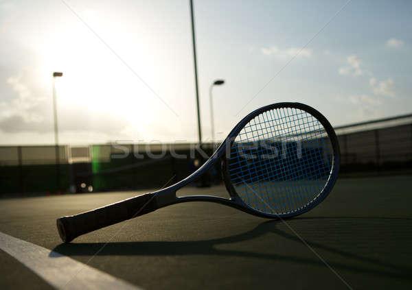 Teniszütő nap bíróság sport játék szabadidő Stock fotó © 33ft