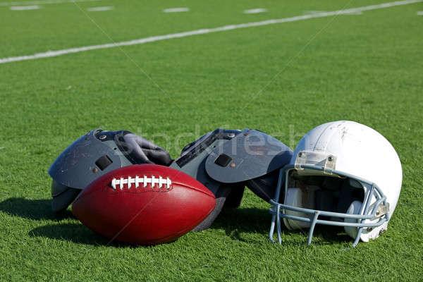 アメリカン サッカー ヘルメット フィールド 肩 スポーツ ストックフォト © 33ft