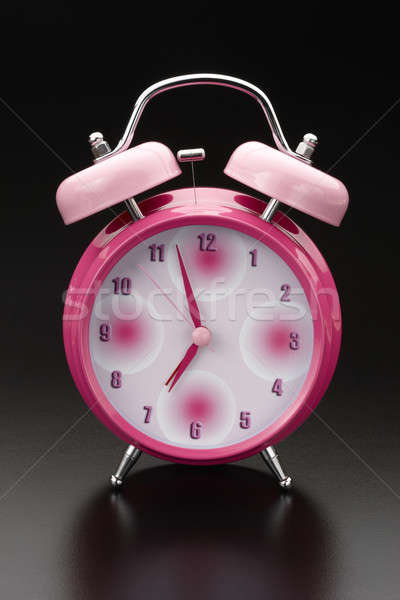Rózsaszín ébresztőóra klasszikus tinta lövés tükröződő Stock fotó © 350jb