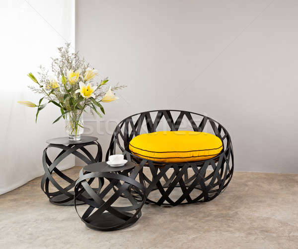 Сток-фото: металл · диван · желтый · подушкой · цветок · пространстве