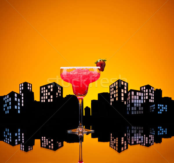 Világváros eper koktél városkép üveg nyár Stock fotó © 3523studio