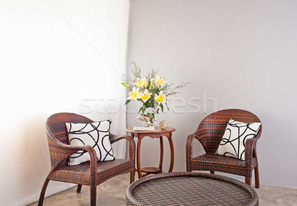 Brun chaises table fleurs bois design Photo stock © 3523studio