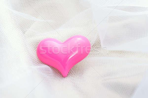 Pembe kalp beyaz peçe tüm romantik Stok fotoğraf © 3523studio