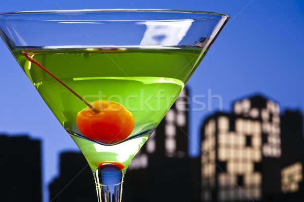 Metropolia jabłko martini koktajl panoramę szczęśliwy Zdjęcia stock © 3523studio