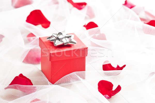 Piros ajándék doboz ezüst íj esküvő fátyol Stock fotó © 3523studio