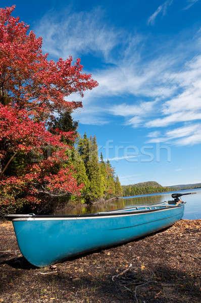 Kajak boot meer blauwe hemel natuur Stockfoto © 3523studio