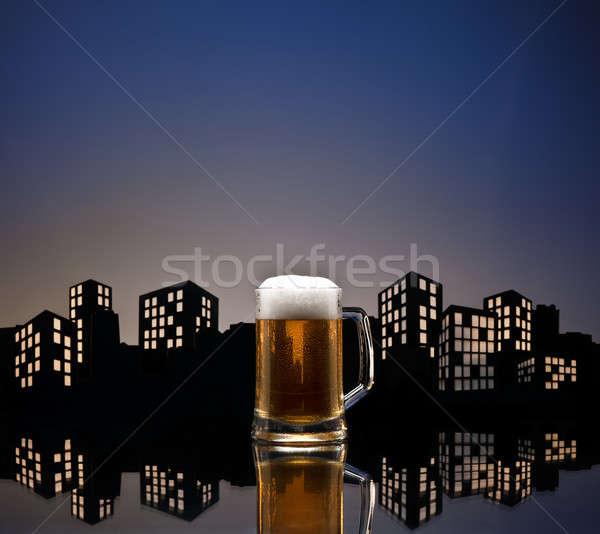 Metrópole cerveja cor linha do horizonte vidro Foto stock © 3523studio