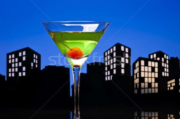 Metrópole maçã martini coquetel linha do horizonte feliz Foto stock © 3523studio