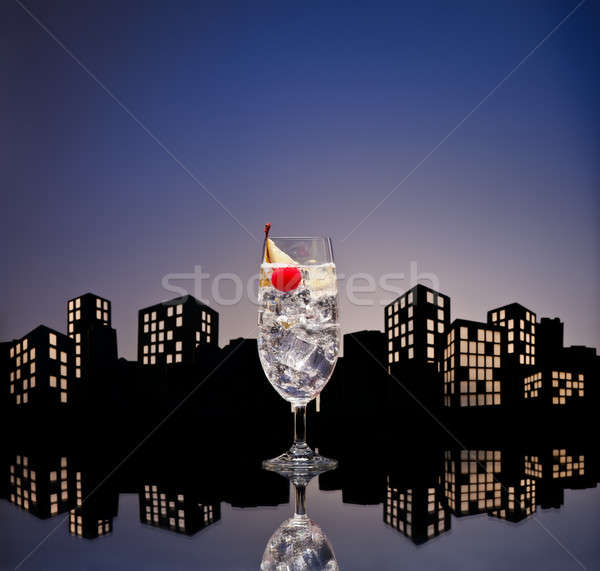 Stockfoto: Metropolis · gin · cocktail · restaurant · drinken