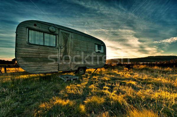 Kampeerder zon mooie zonsondergang gras natuur Stockfoto © 3523studio