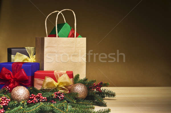 Natale presenta shopping bag decorato effettivo Foto d'archivio © 3523studio