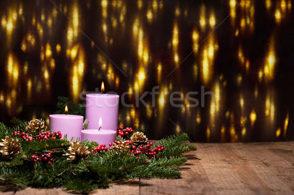 Drei Kerzen Aufkommen Blume Anordnung schönen Stock foto © 3523studio