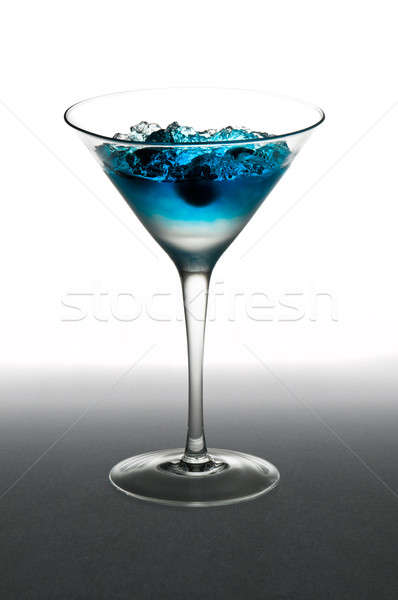 Myrtille cocktail verre de martini blanche fruits glace Photo stock © 3523studio