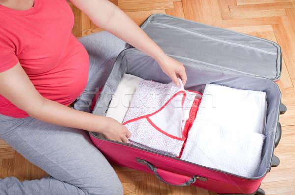妊婦 スーツケース 準備 母性 ストックフォト © 3dvin