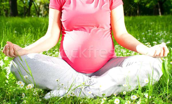 美しい 妊婦 リラックス 公園 ヨガ 草 ストックフォト © 3dvin