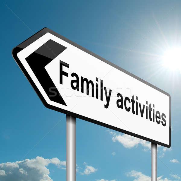 Zajęcia rodzinne ilustracja drogowego znak drogowy Błękitne niebo rodziny Zdjęcia stock © 72soul