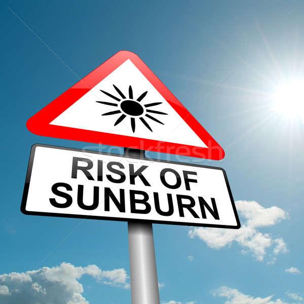 Güneş yanığı risk örnek yol trafik işareti mavi gökyüzü Stok fotoğraf © 72soul