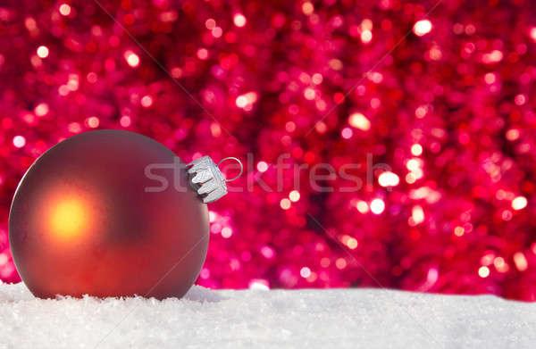 Czerwony christmas ozdoba śniegu szkła Zdjęcia stock © 808isgreat
