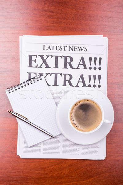 Periódico extra café noticias titular oficina Foto stock © a2bb5s