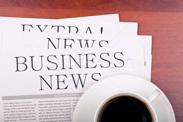 Affaires journal tasse café plusieurs journaux Photo stock © a2bb5s
