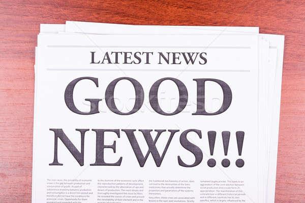 Periódico una buena noticia noticias titular oficina madera Foto stock © a2bb5s