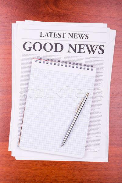 Periódico una buena noticia noticias titular bloc de notas papel Foto stock © a2bb5s
