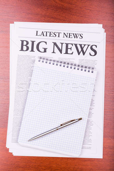 Journal grand nouvelles titre notepad papier Photo stock © a2bb5s