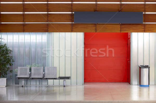 Treinstation wachten deuren reis Stockfoto © ABBPhoto
