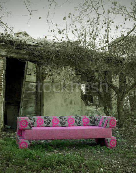 Sofa opuszczony wiejski miejsce nowego czarno białe Zdjęcia stock © ABBPhoto