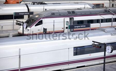 Train panneau à grande vitesse gare ville Photo stock © ABBPhoto
