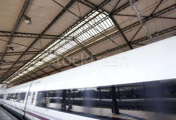 Estación de ferrocarril tren alto movimiento resumen viaje Foto stock © ABBPhoto