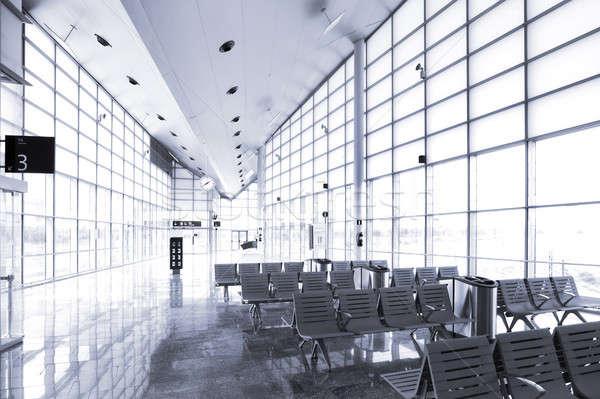 Treinstation wachten moderne architectuur muur ontwerp kamer Stockfoto © ABBPhoto