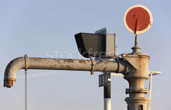 água tubo estação de trem vermelho alertar metal Foto stock © ABBPhoto